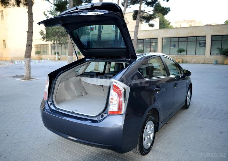 Toyota Prius Toyota Prius Qiymeti