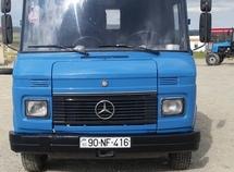 Mercedes 408 D