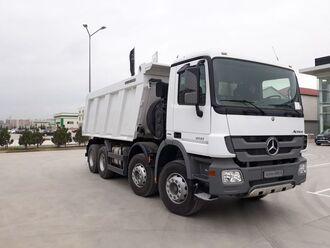 Mercedes Actros 4141