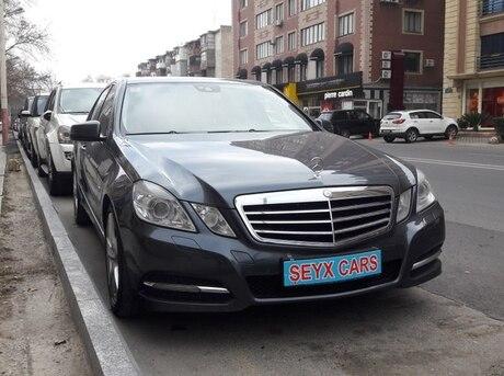 Mercedes E 300