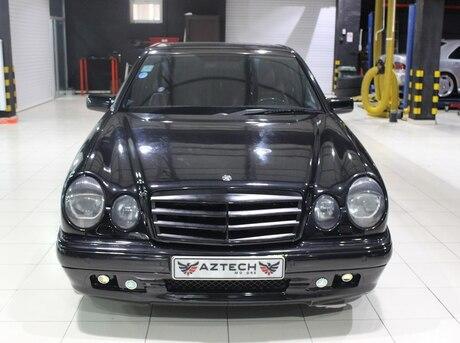Mercedes E 55 AMG