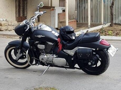 Suzuki Intruder M-800