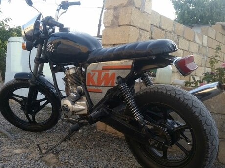 Zontes Monster 125