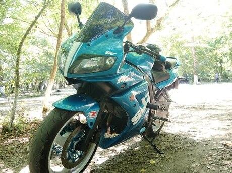 Suzuki DL 650
