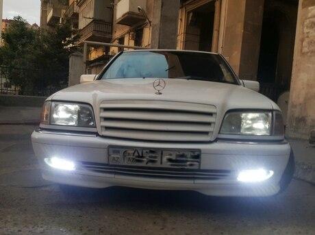 Mercedes C 230