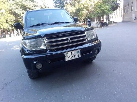 Mitsubishi Pajero io