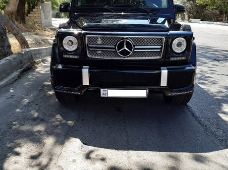 Mercedes G 300