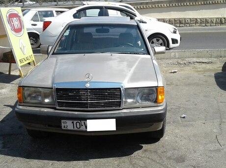 Mercedes 190