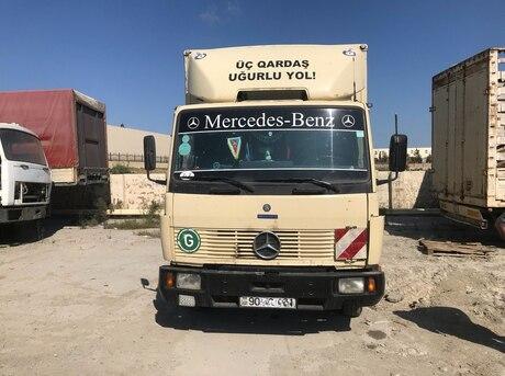 Mercedes 711 D