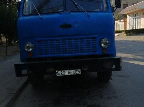 MAZ 5549