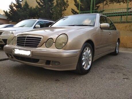 Mercedes E 240