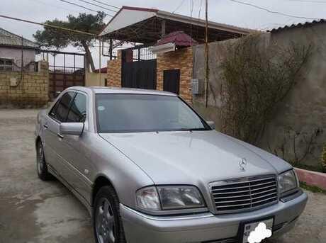 Mercedes C 240