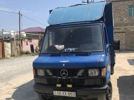 Mercedes 409 D