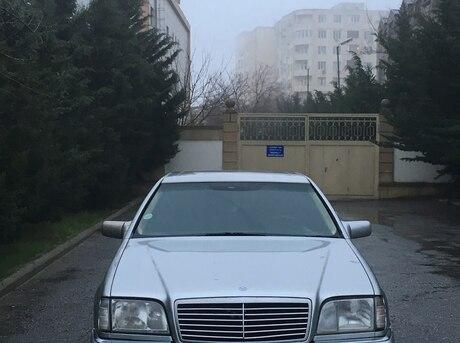 Mercedes S 320