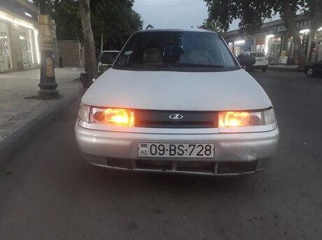 LADA (VAZ) 2111