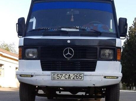 Mercedes 208 D