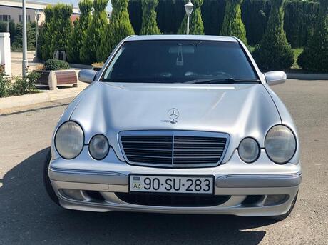 Mercedes E 240 1999