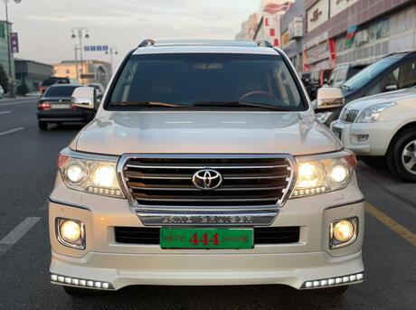 Toyota Land Cruiser