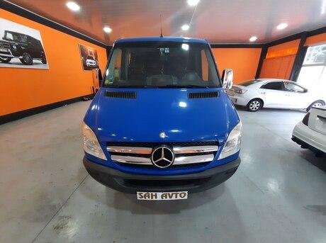Mercedes Sprinter 215
