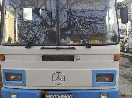 Mercedes 0303 1988