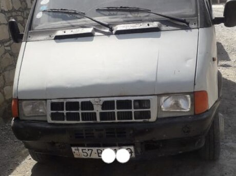 GAZ 330232-744 2000