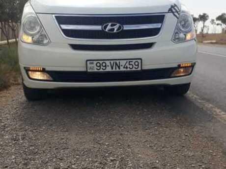 Hyundai H-1 2010