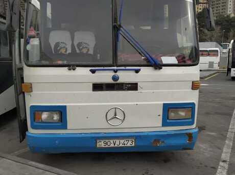 Mercedes 0303 1990