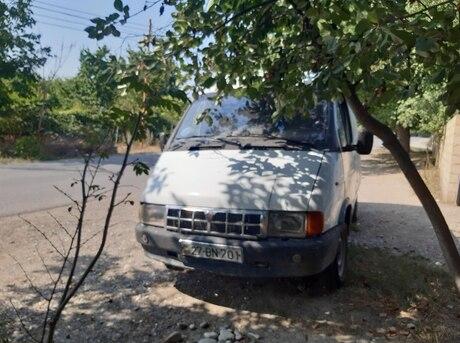 GAZ Sobol 2000