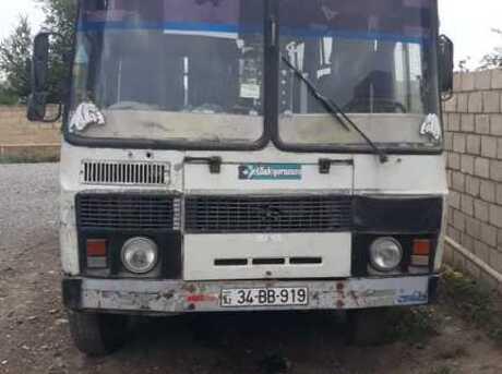 PAZ 32054 2001