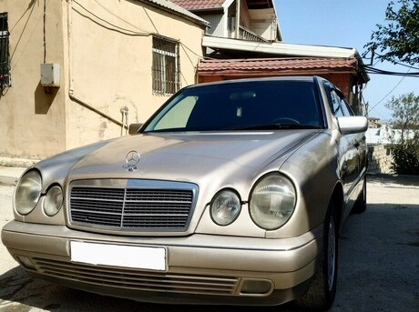 Mercedes E 220 1999