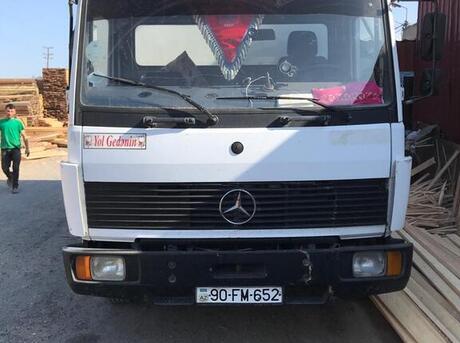 Mercedes Atego 809