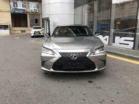 Lexus ES 250 2020