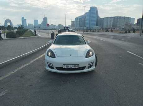 Porsche Panamera 4 2010