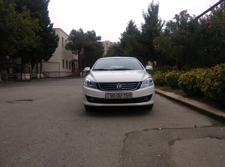 DongFeng Fengshen S30 2015