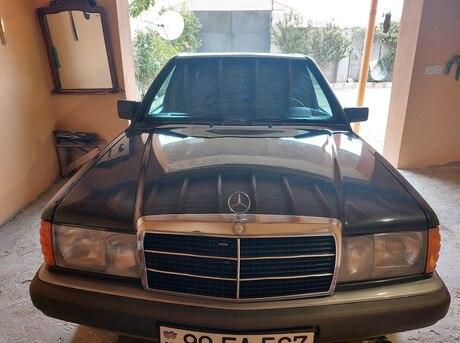 Mercedes 190 1990
