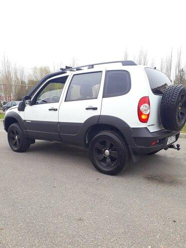 Chevrolet Niva Turbo Az