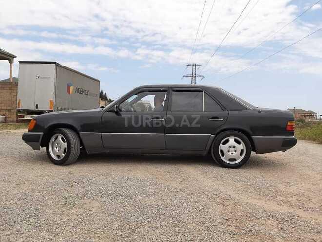 Mercedes E 300 1992, 670,000 km - 3.0 l - Bakı
