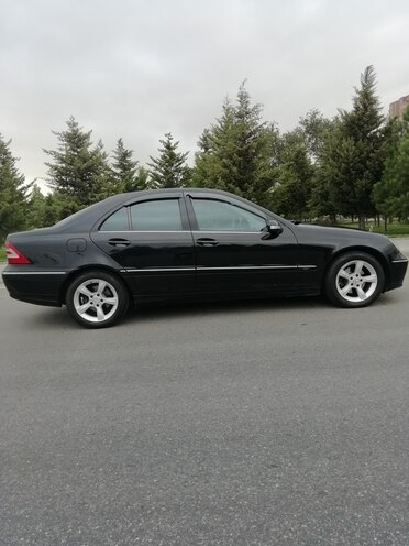 Mercedes C 220 2005, 325,000 km - 2.2 l - Bakı