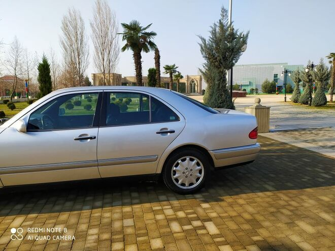Mercedes E 240 1998, 232,000 km - 2.4 l - Bakı