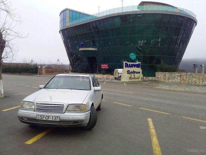 Mercedes C 180 1995, 401,030 km - 1.8 l - Quba