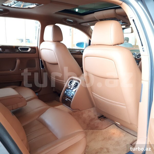 2018 Bentley Flying Spur Camshaft: Bentley Flying Spur